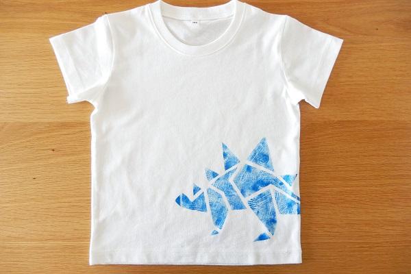 マスキングテープとスタンプで作るオリジナル恐竜Tシャツ
