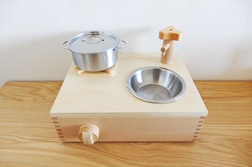 IKEAままごと用お鍋を置いたコンパクトキッチン