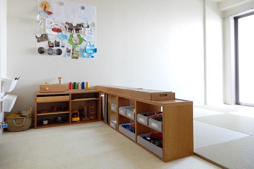 寝室とキッズスペースを家具で分ける