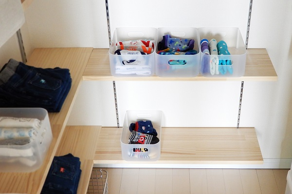 子供服収納に無印のメイクボックスを活用