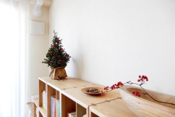 杉の香りが漂う天然クリスマスツリー