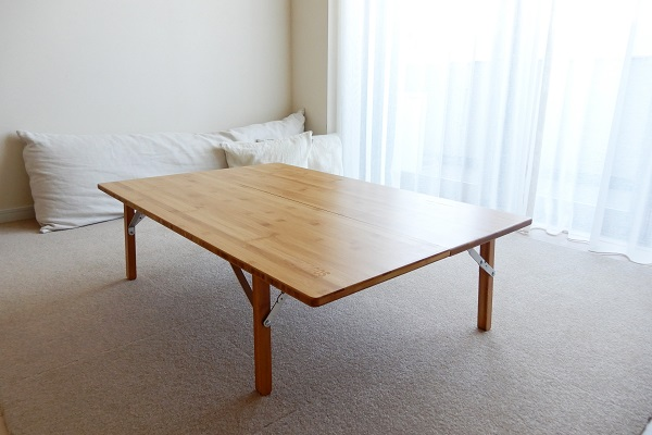 ロゴスの折り畳みアウトドアテーブル
