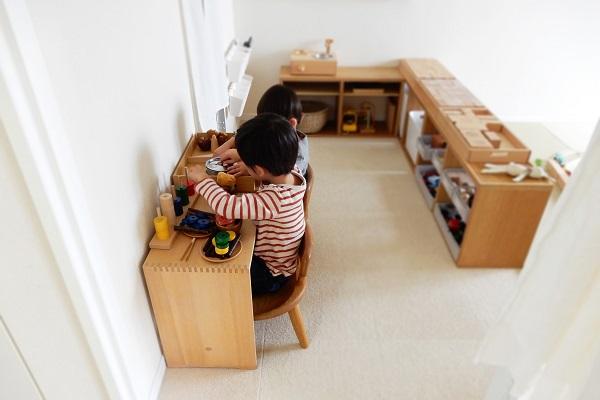 子供用机に便利なウルムスツール