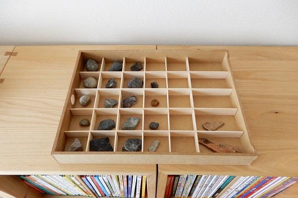 石のコレクションケース