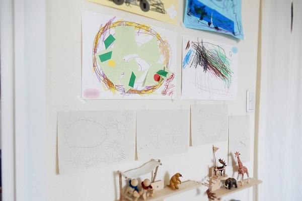子供たちの絵を飾っていたスペース