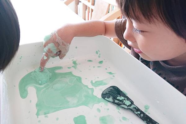 片栗粉スライム作り