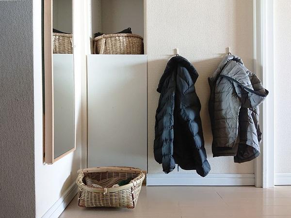 玄関に帽子と手袋置き場