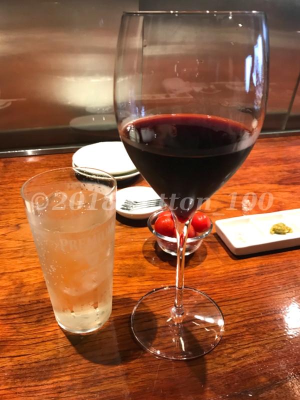 肉山おおみやのハイボールとグラスワイン(赤)