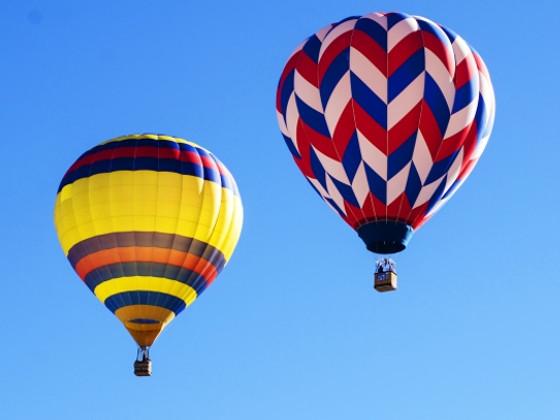 写真ACより使用したカラフルな気球の画像