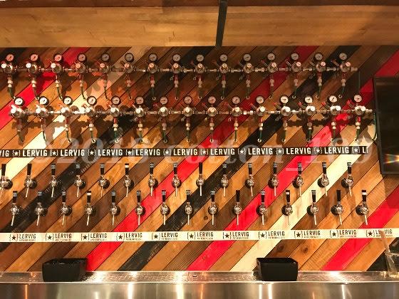 ビアノヴァウラワ店内にある31のビアタップ