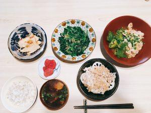 オリ飯 ふみ飯 ご飯 ランチ お昼 和食 お浸し 煮物 味噌汁 ご飯 もち麦 ヘルシー ダイエット 筍 漬物 ほうれん草