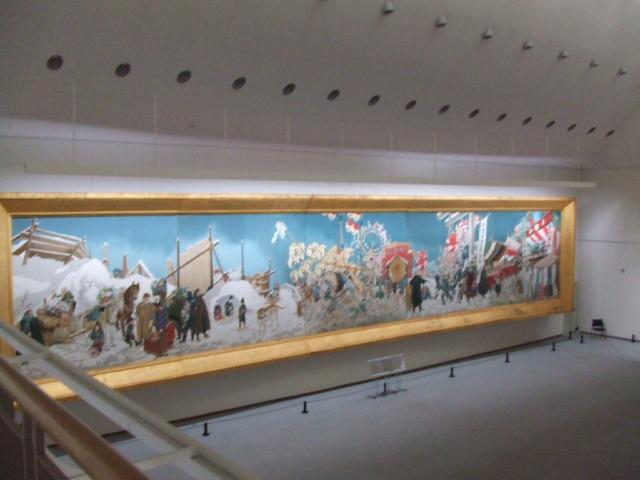 平野政吉美術館の大展示室と藤田...