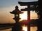 八咫神社鳥居と夕陽