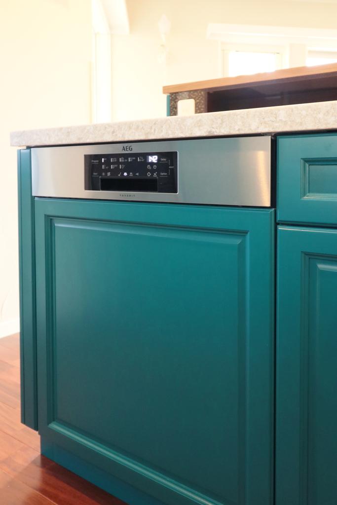 AEG 食洗機ビルトイン キッチン施工例