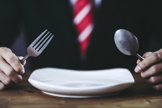 スーツの食べこぼしによるシミ