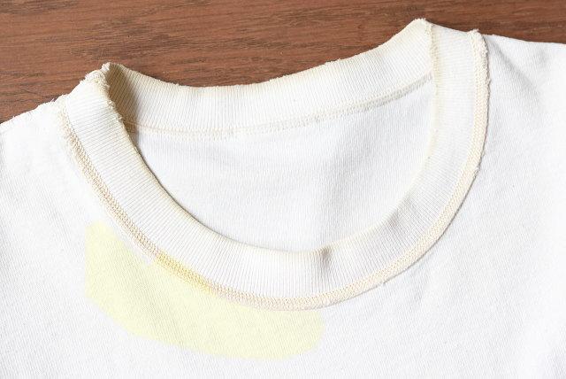 白Tシャツの黄ばみ