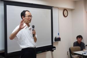 クロージングで挨拶する、cybozu.com運用責任者、山本 泰宇の写真。