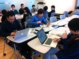 ランチ中も Hackathon