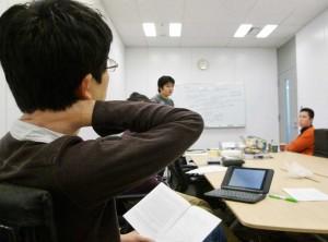 社内の機械学習勉強会の様子