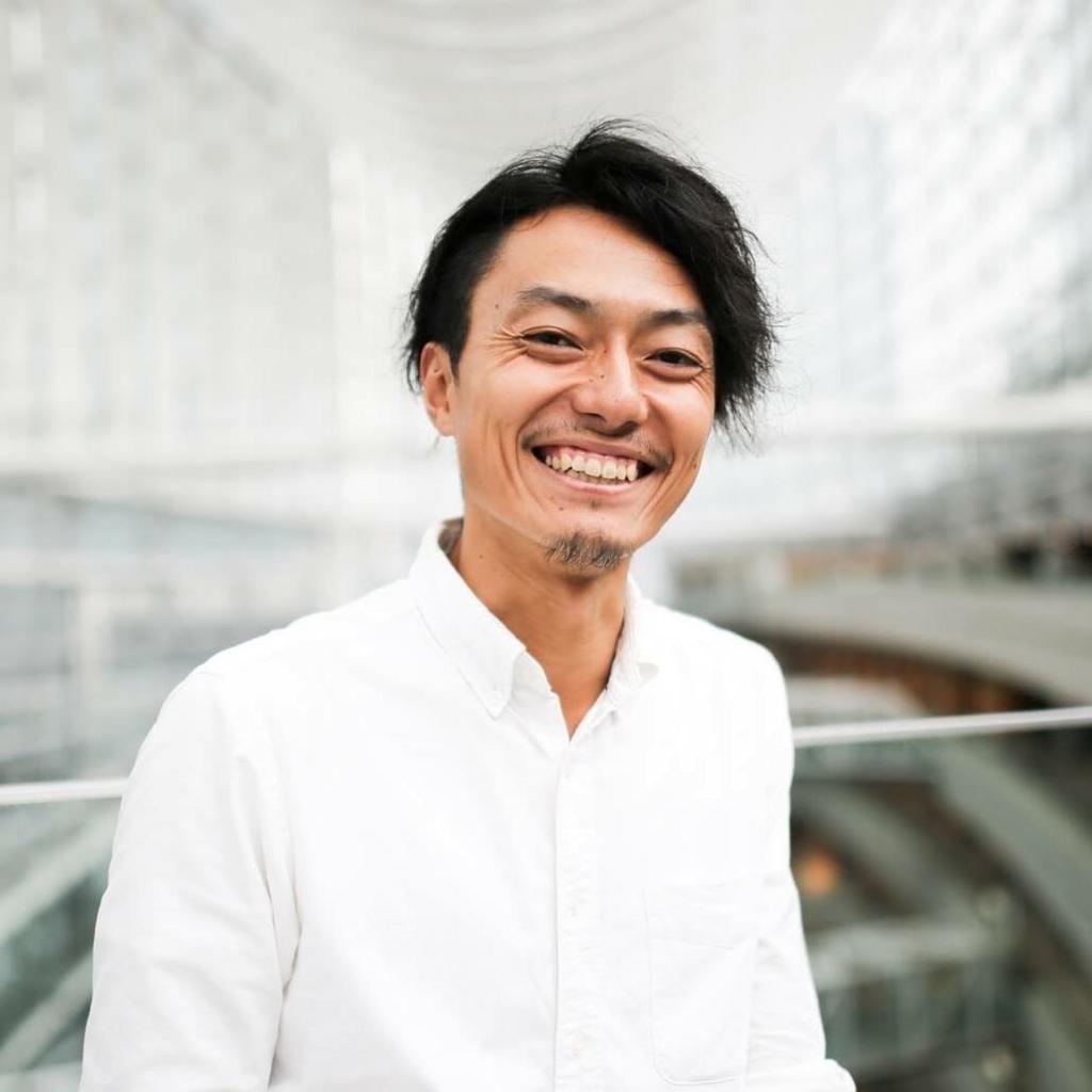 デュアルライフを実現する「藤沢篤」は世界をまたにかけるプロブロガーだ。