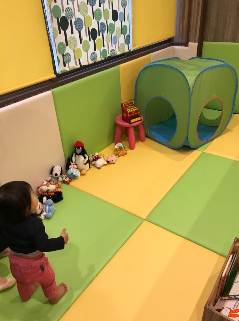 ブックハウスカフェのプレイコーナー