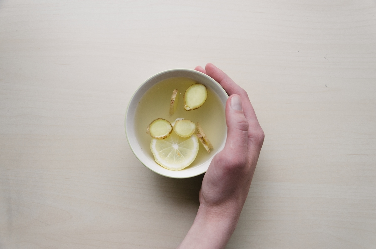 お茶に、しょうが。