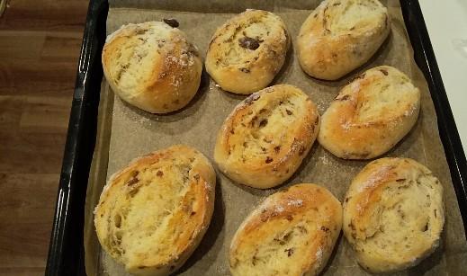 バターと砂糖がジュワ♪レーズンパン 自家製酵母 パン 手作り