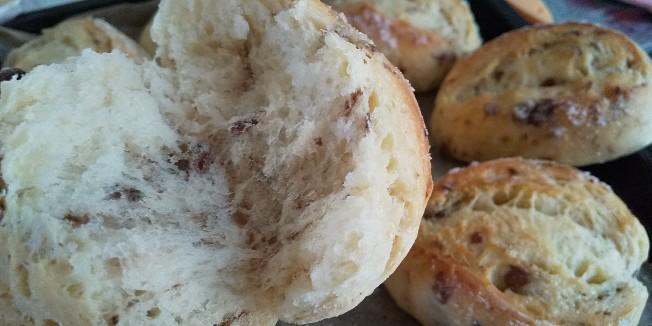 バターと砂糖がジュワ♪レーズンパン 手作り 自家製酵母