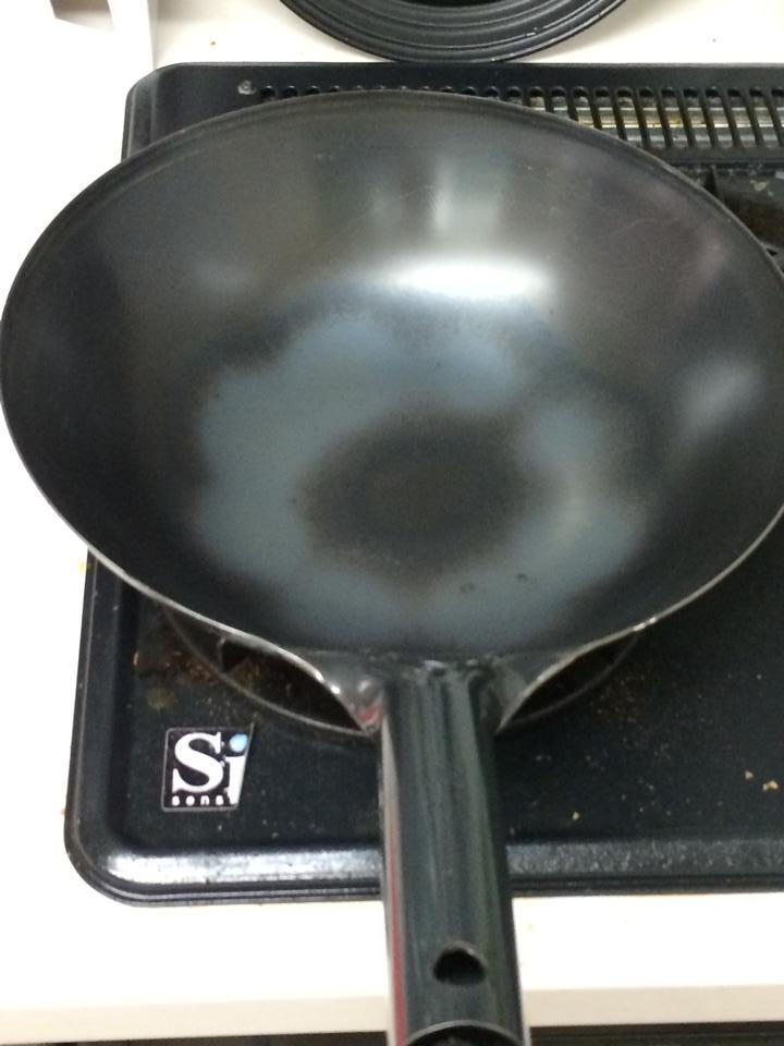 家庭用のコンロでsiセンサーが働いてしまい空焼きが30ぷんたっても全く進まない中華鍋