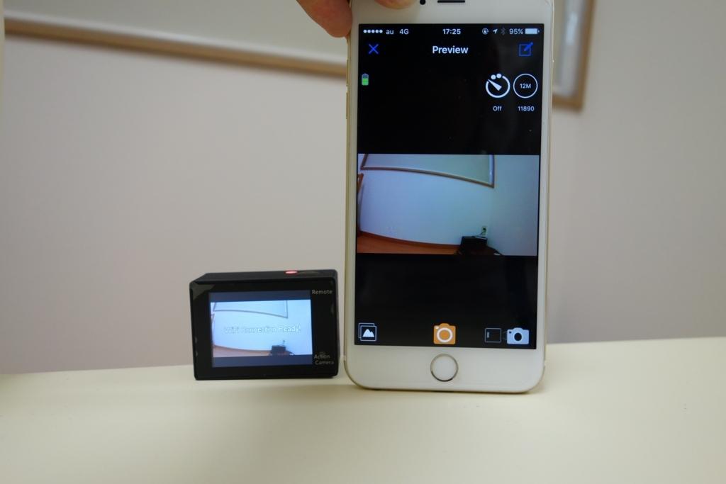 格安アクションカメラDBPOWER 4K 12MPをスマホアプリで撮影しているようす