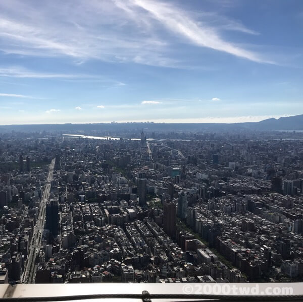 台北101の屋外展望台から見た景色