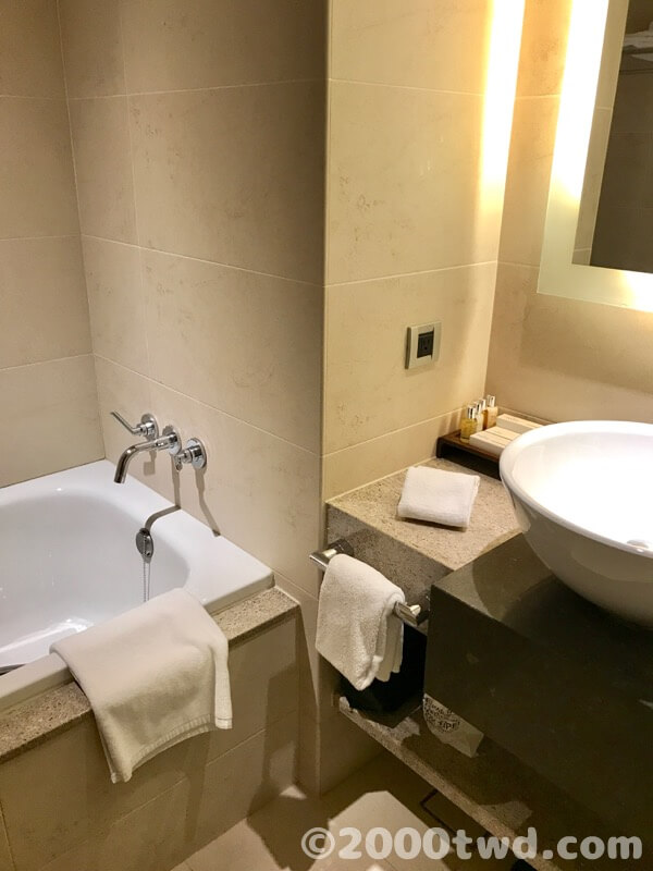バスタブ付き、独立シャワールーム