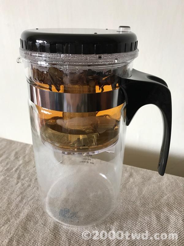 茶葉が開いて注ぐタイミングを見計らう