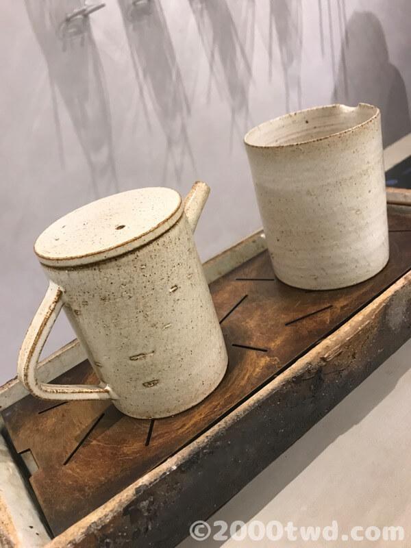 ミニマルでモダンなデザインの茶器
