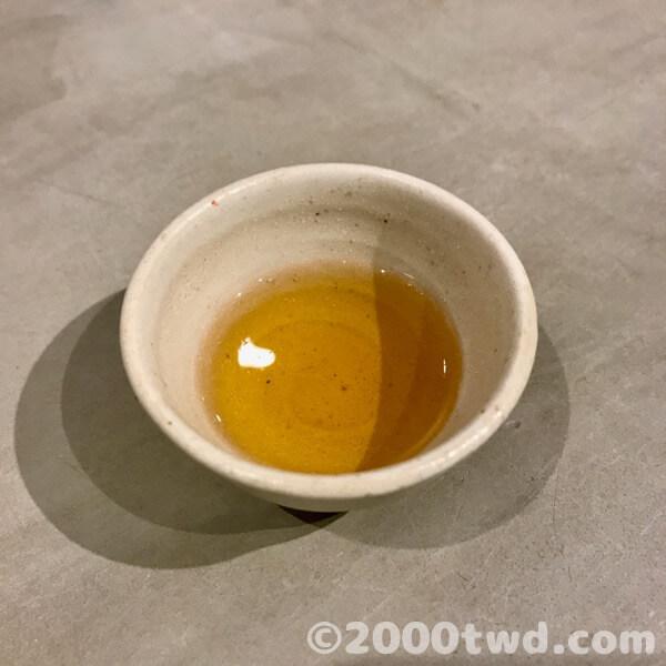 水色も茶葉ごとに異なります