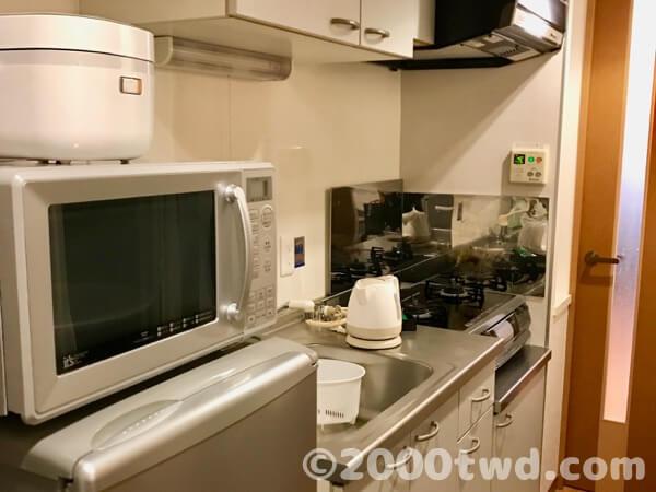 キッチン家電や食器類が完備