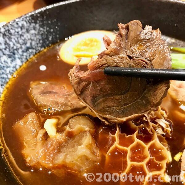 絶妙に柔らかくて味の染みた牛スネ肉