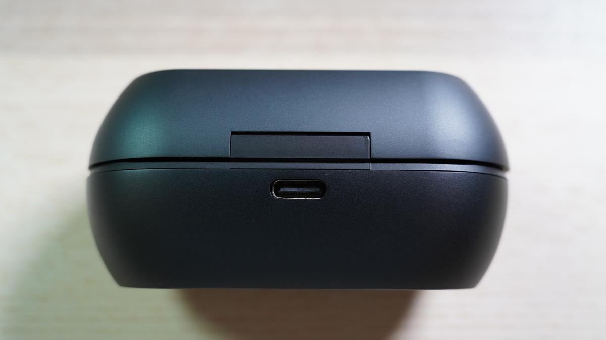 テクニクスのケース背面 タイプC充電