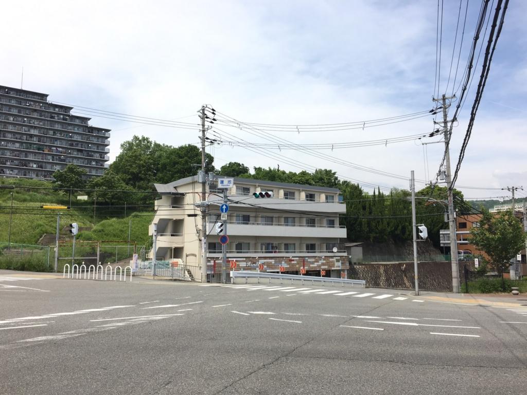 妙法寺から桜の杜道中途中の蓮池交差点