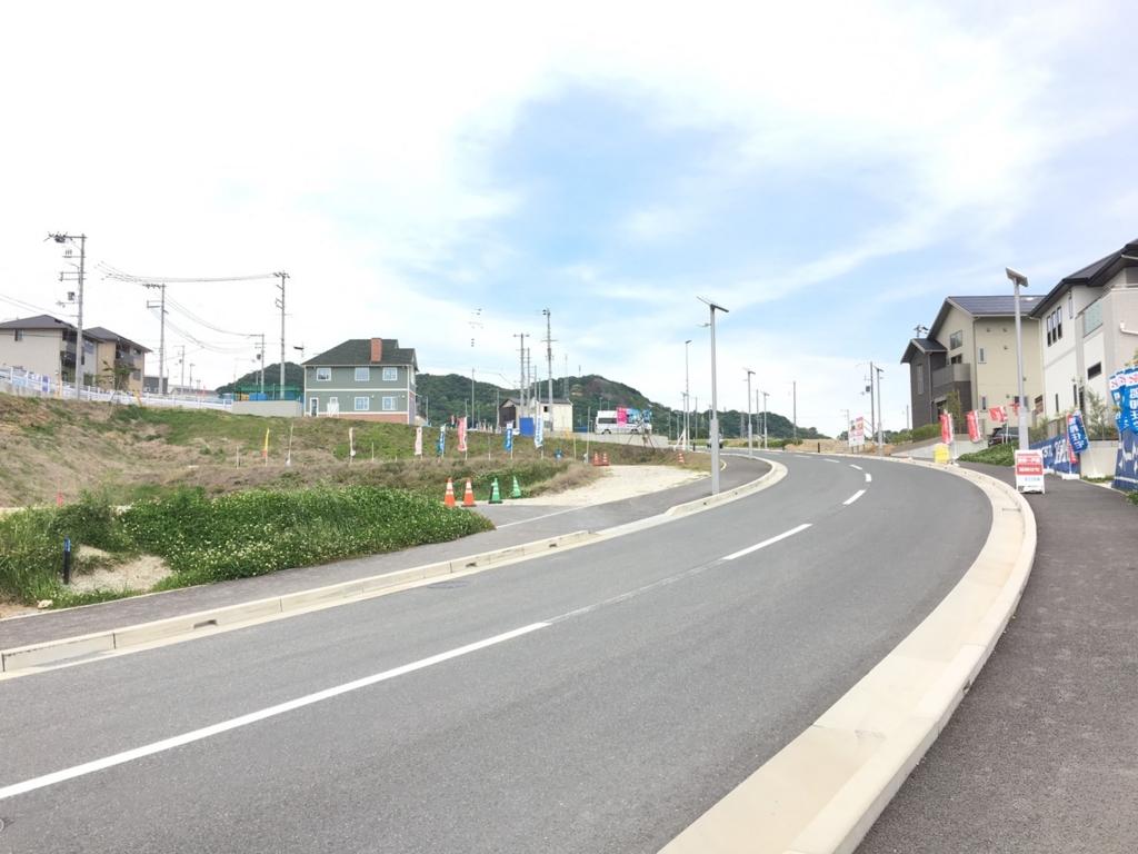 桜の杜の坂道1
