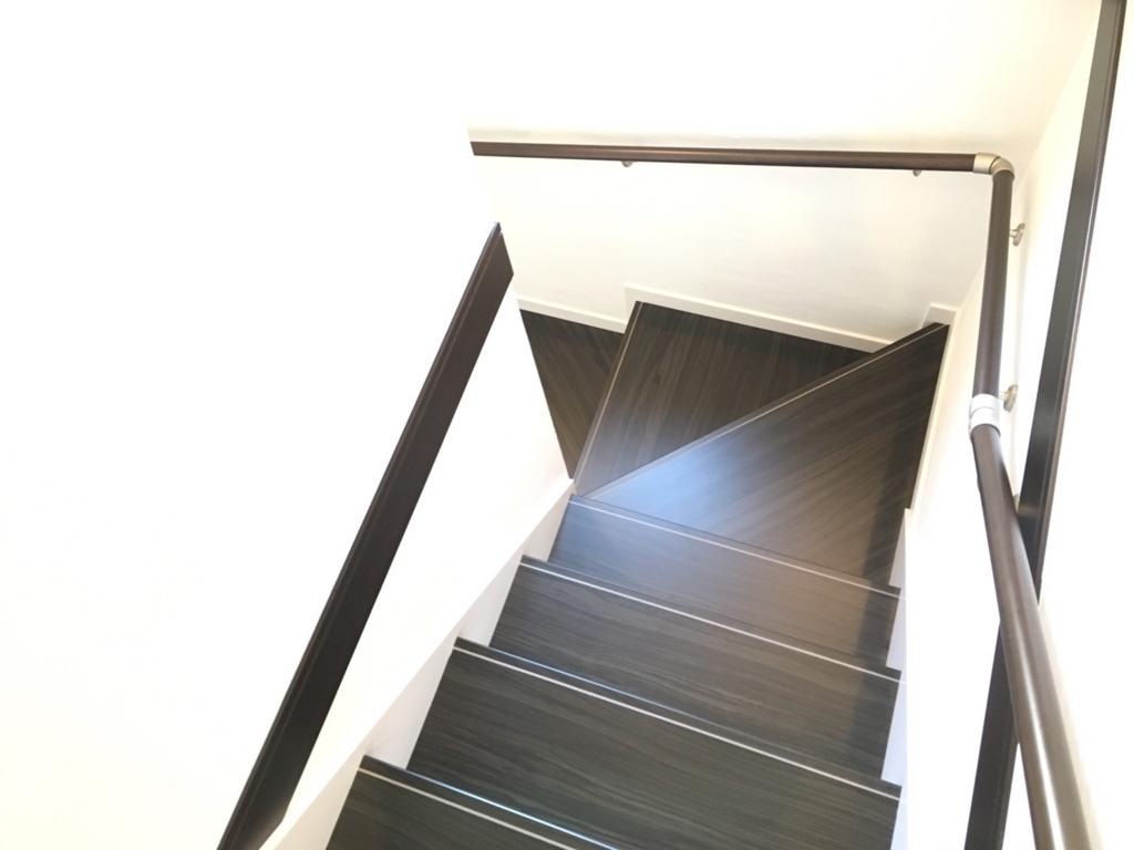 桜の杜1階段