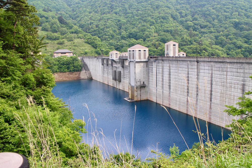 イメージ:四万川ダムのダム湖