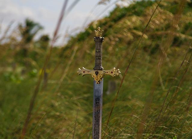 スペースがないと、墓地・デッキから聖剣を装備できない