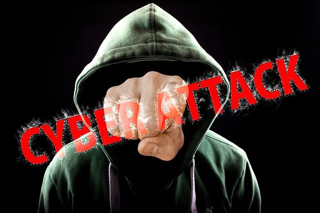 ソーシャルメディアには監視の目がほとんどないので、ある程度の自衛が必要です。