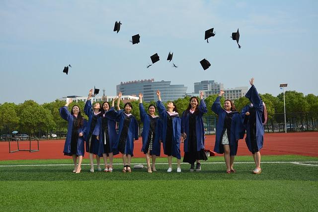大学進学率も上がっているし、女性は学術書を読めないという考えは改めたほうがよい。