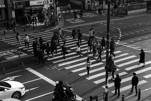 学生はいろいろな道を歩んでいる。同じ学内のことでも人によっては知らない。
