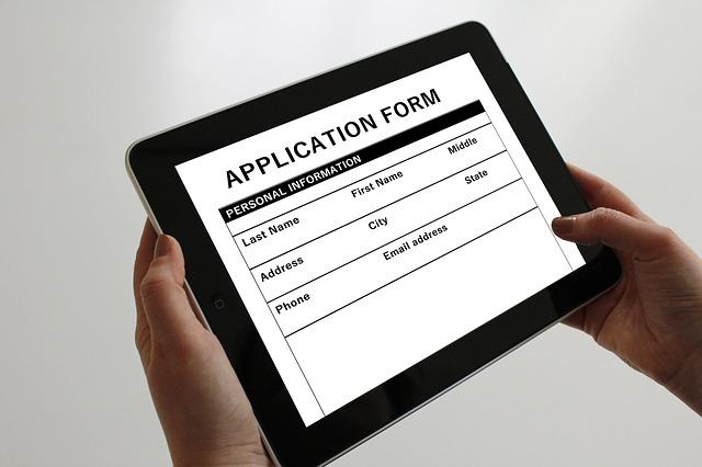 ポイントカードはネットでも手書きでも登録できるのが望ましい。