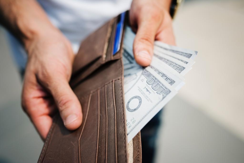マジックテープの財布がダサいという人は、実際には全人口の一部だけかもしれない。