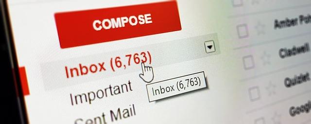 Gmailアプリにログインしようとしたら、Gmailアプリを使った認証を求められた。