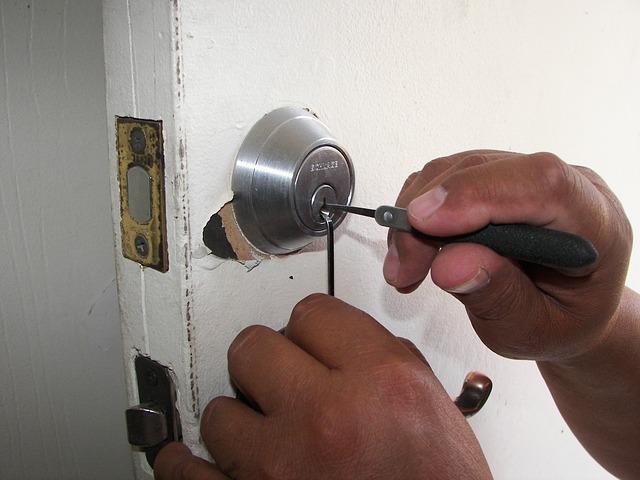 鍵が2種類あると、泥棒を諦めさせやすい。